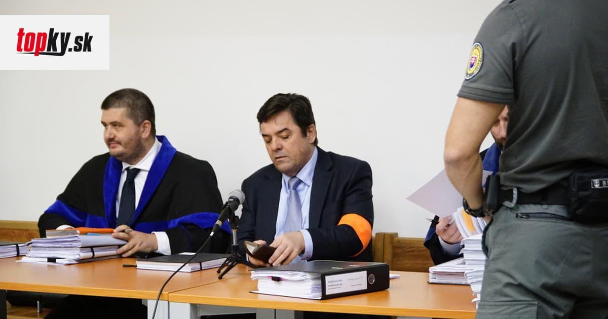 ONLINE zo súdu v kauze falšovania zmeniek: Volzová neprišla, Šanta navrhuje čítať Threemu | Topky.sk
