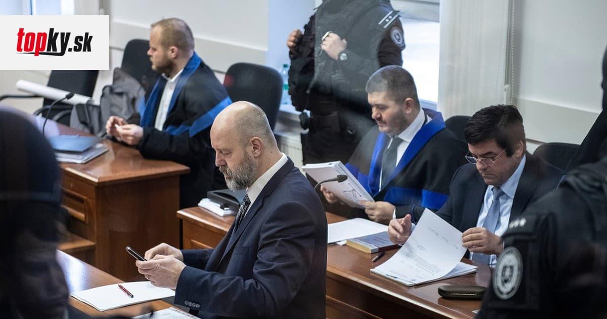 Súd v kauze vraždy Kuciaka prerušili do júna, Para naďalej spochybňuje Threemu | Topky.sk