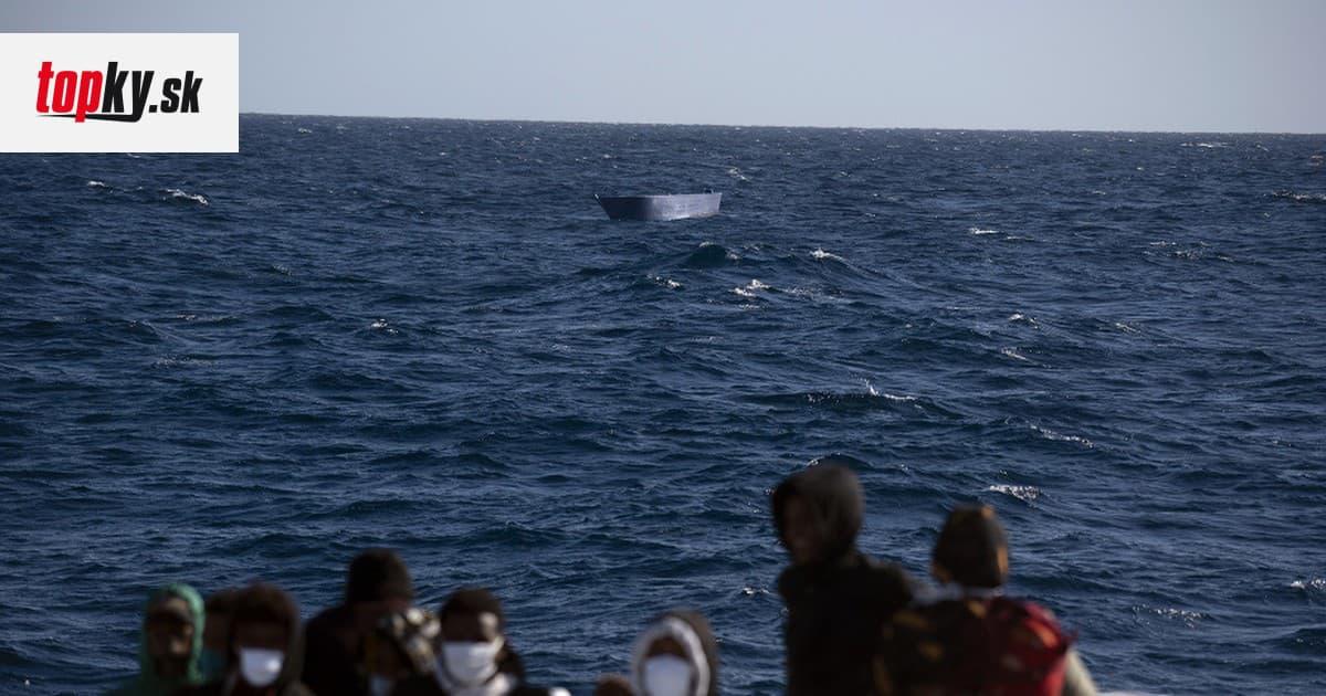 Po prevrátení člna pri pobreží Líbye zahynulo najmenej 43 migrantov   Topky.sk